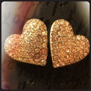Jewelry - Heart Shaped Clip-on Earrings 💎 💜